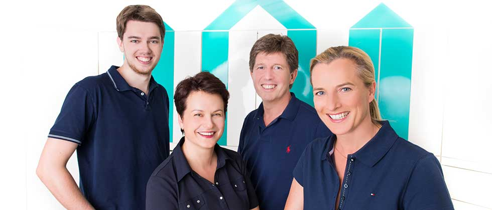 Ärzteteam der Zahnarztpraxis Dr Wehr
